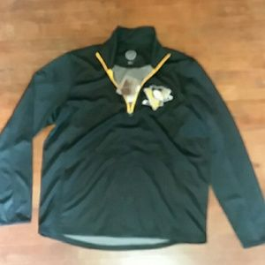Mens large sports longsleeve pullover
